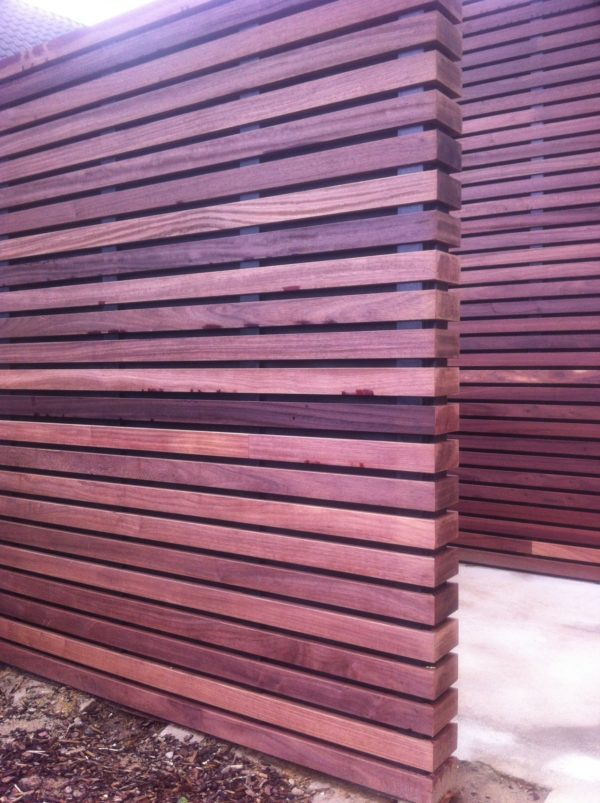 Obkladové dosky VETEDY Techniclic PADOUK drevo 20mm klip bez viditeľných šrúb